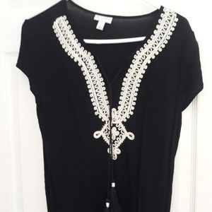 Tops - Black shirt with white neck detail